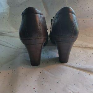 Clark's Artisan brown booties